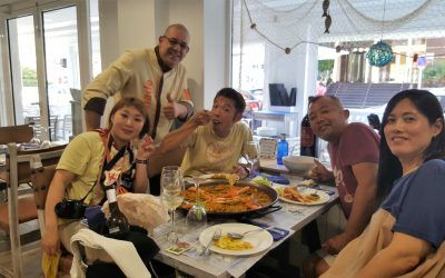 El chef japonés Yuki Kawaguchi visitó Chef Amadeo para aprender a hacer la fideuà de Gandia