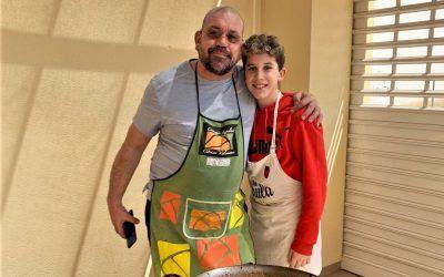 Los chefs cocinan en casa: la fideuà de Amadeo Faus